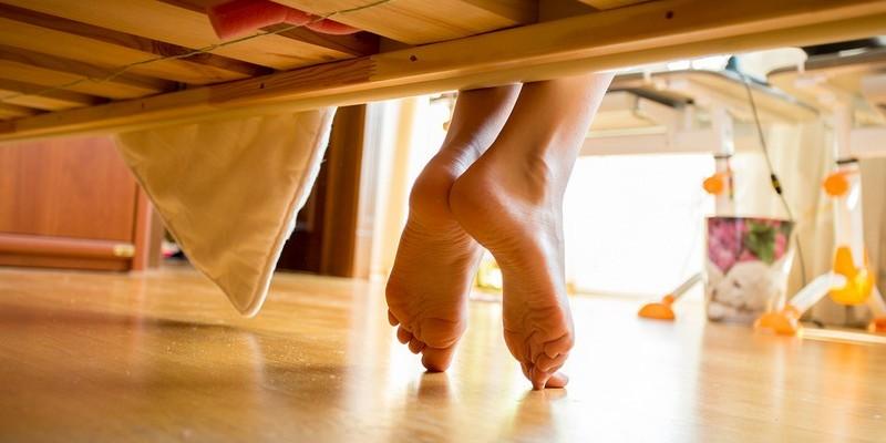 Как избавиться от шишки на ногах